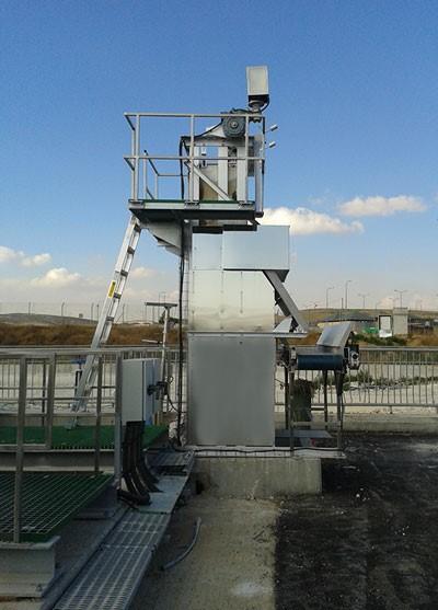installation d'un dégrilleur vertical entrée de station d'épuration des eaux usées