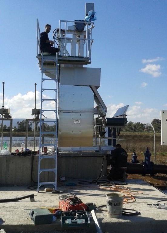 installation d'un dégrilleur vertical dans un poste de relevage equipwater