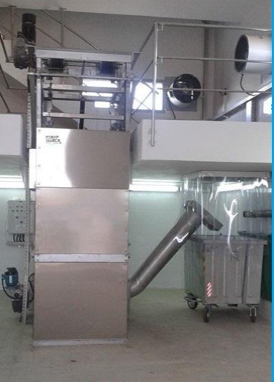 dégrilleur vertical en station d'épuration des eaux usées